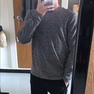 Lululemon size small gray long sleeve shirt